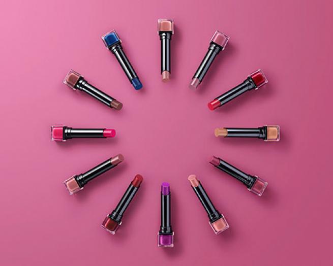 Exhibitionist 24HR Ultra Matte lipstick