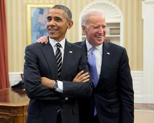 Barack Obama, Joe Biden are posing for a picture